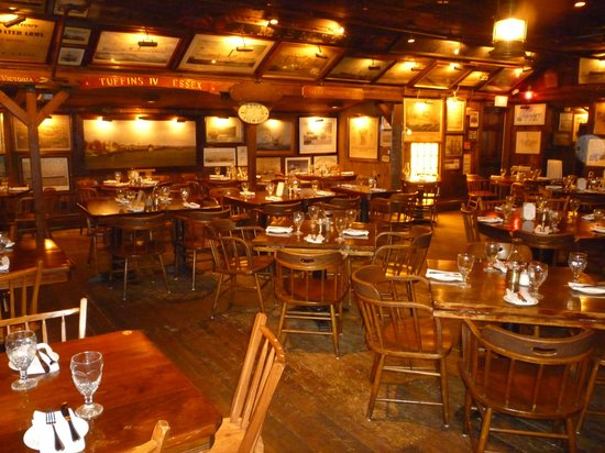 griswold-inn-dining