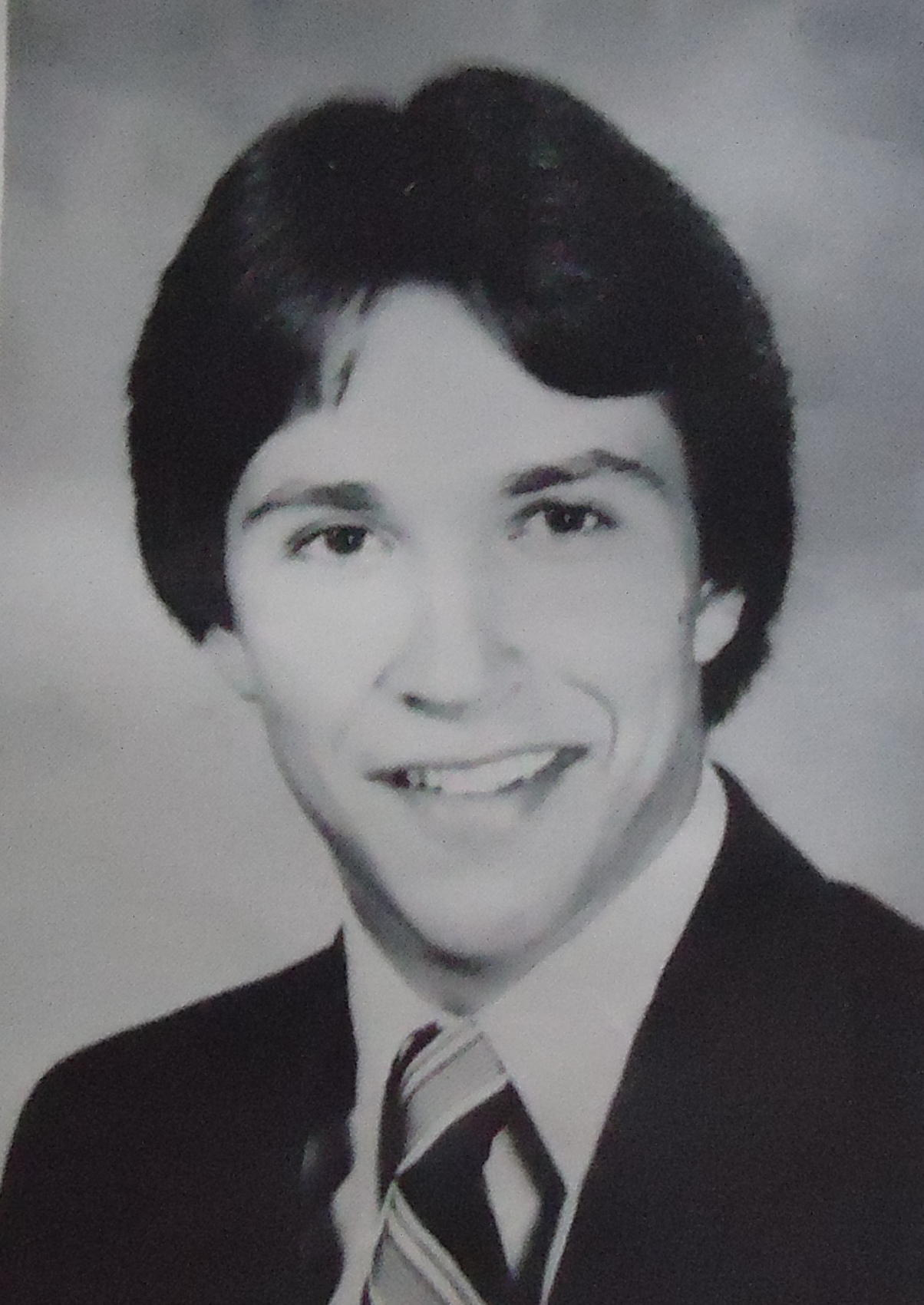 50 Hilarious Celebrity Yearbook Photos - shared.com